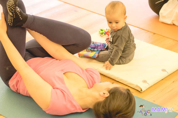 Ejercicios mujer con bebe