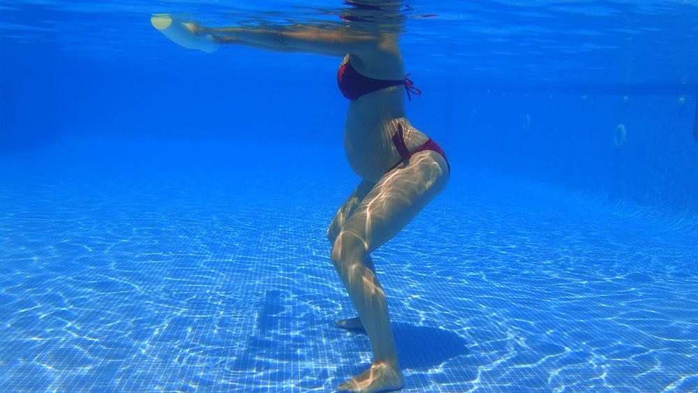 Ejercicio físico para embarazadas en el agua